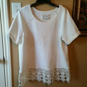Tops - Antropologie White Laced Tee